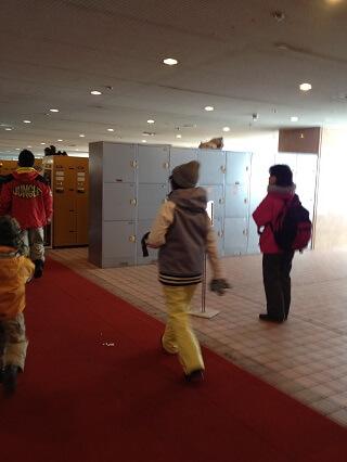 43degrees スノーボードウェア 苗場スキー場 ロビー